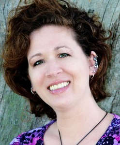 Author Photo - Kat Heckenbach